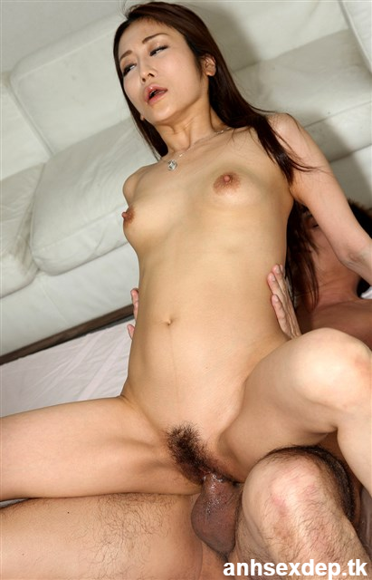 Ảnh sex Châu Á địt vào lồn hot girl Mari Sato