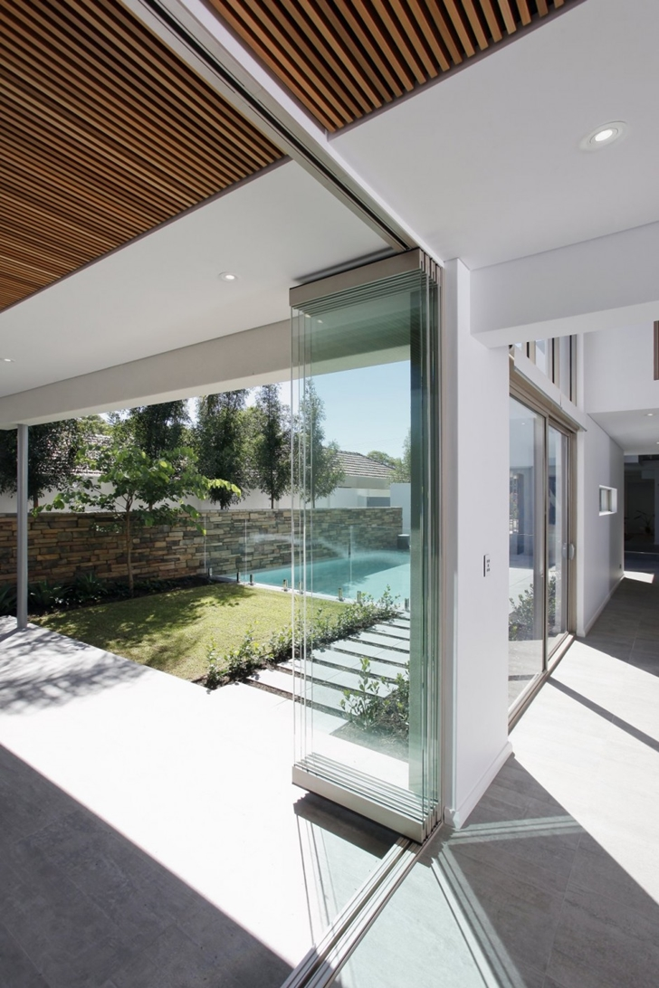 Sliding glass wall in Contemporary style One27 Grovedale home by Mick Rule