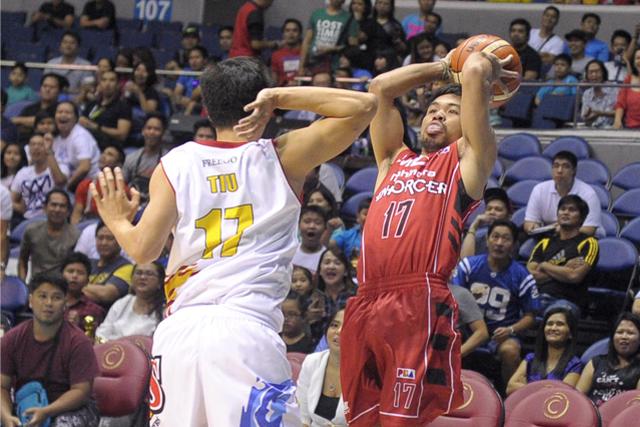 """Jordanesque"" Manny Pacquiao jumpshot."