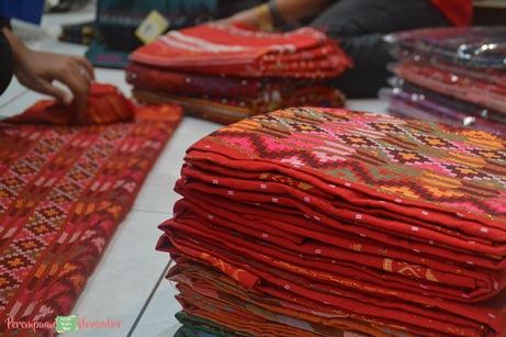 kain tradisional Batak