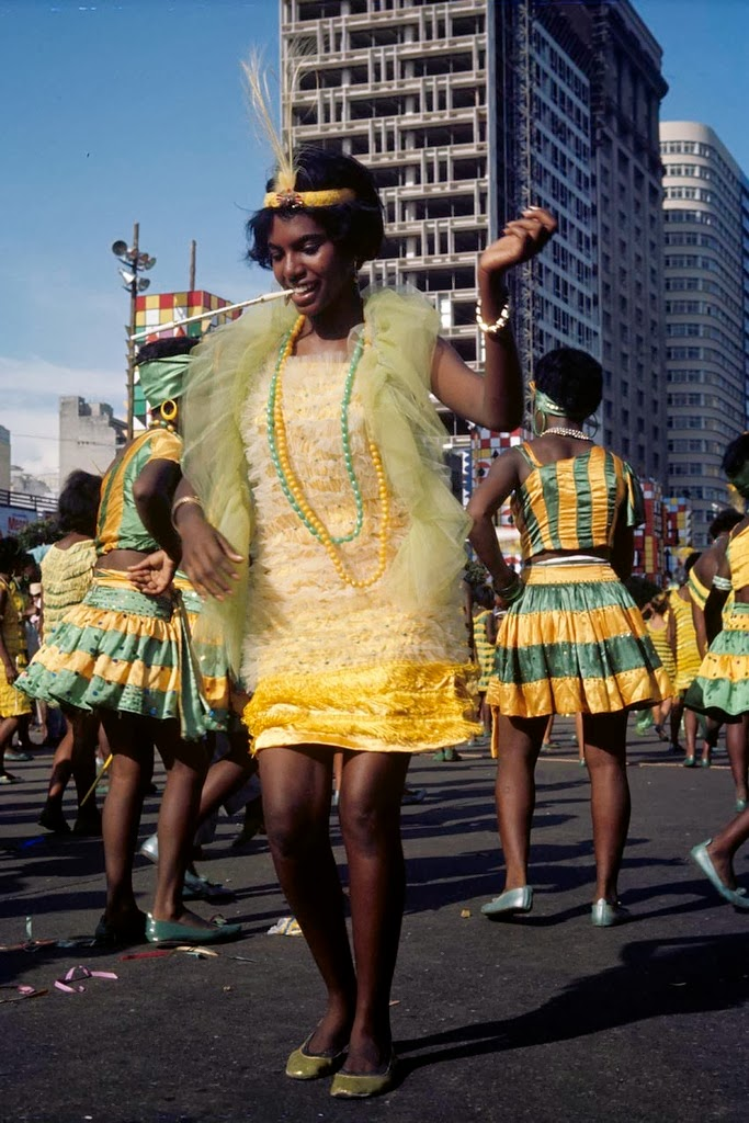 Wonderful Color Photographs Of The Carnival In Rio De -7379
