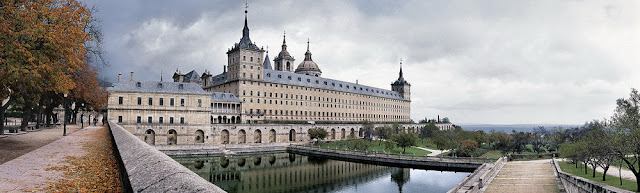 http://www.360cities.net/image/chapter-rooms-of-royal-seat-of-san-lorenzo-de-el-escorial-madrid