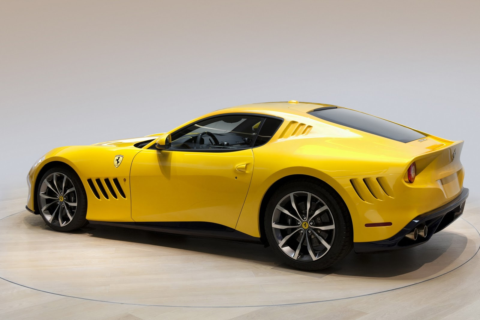 Ferrari Sp 275 Rw Competizione Officially Detailed Uses