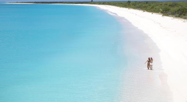 Beautiful Barbuda beach of Low Bay