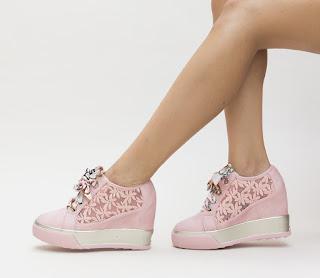 pantofi sport cu platfrma roz cu plasa pe margini