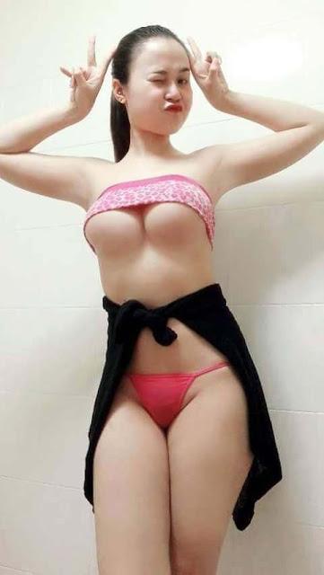 Kisah Sex  Kenikmatan Jepitan Susu Lidya