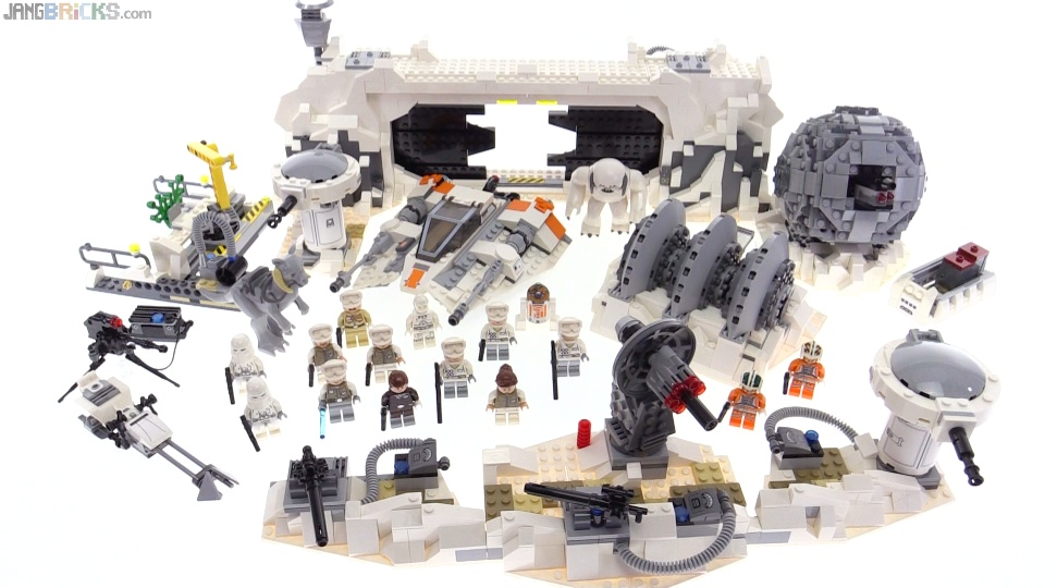 LEGO Star Wars UCS Assault on Hoth review  75098
