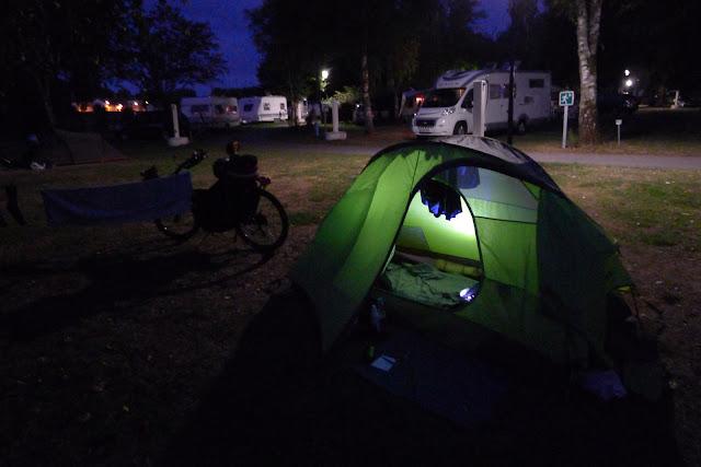 De Paris à Narbonne en vélo, Au camping