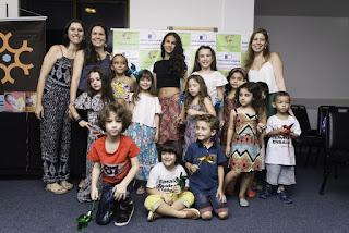 Meni & Mená Agência Kids realiza entrega de kits escolares a instituição social