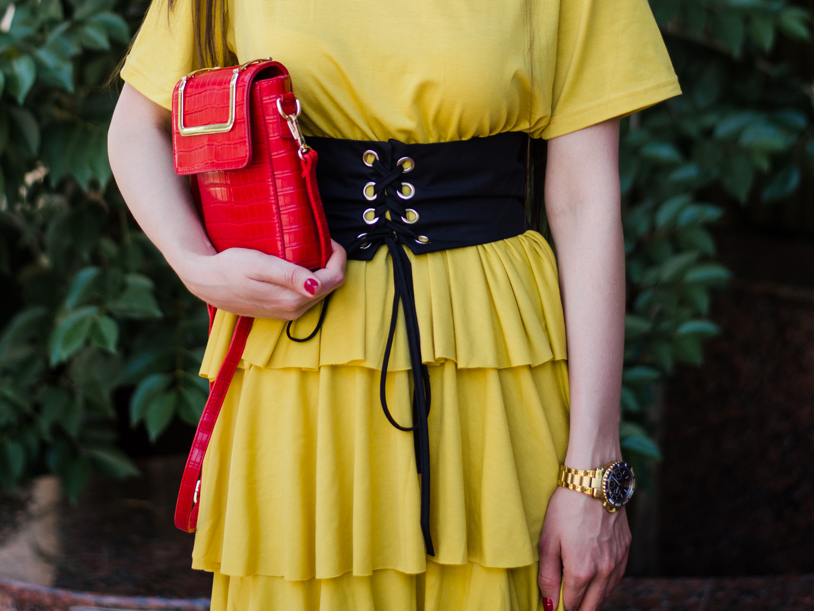 fashion blogger diyorasnotes diyora beta yellow dress summer dress ruffle dress midi corset straw hat asos summer look outfitoftheday
