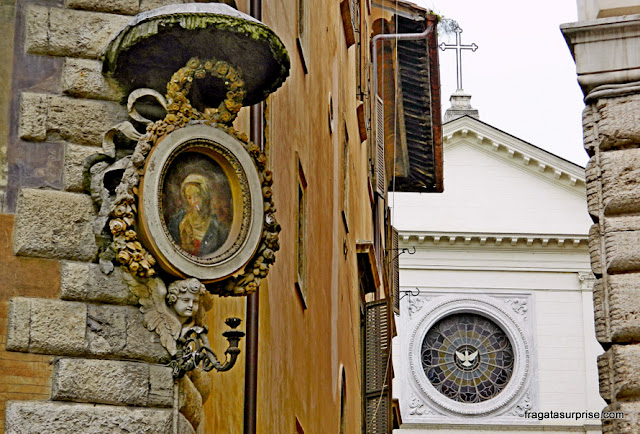 Roma, Via Giulia: Igreja do Espírito Santo dos Napolitanos