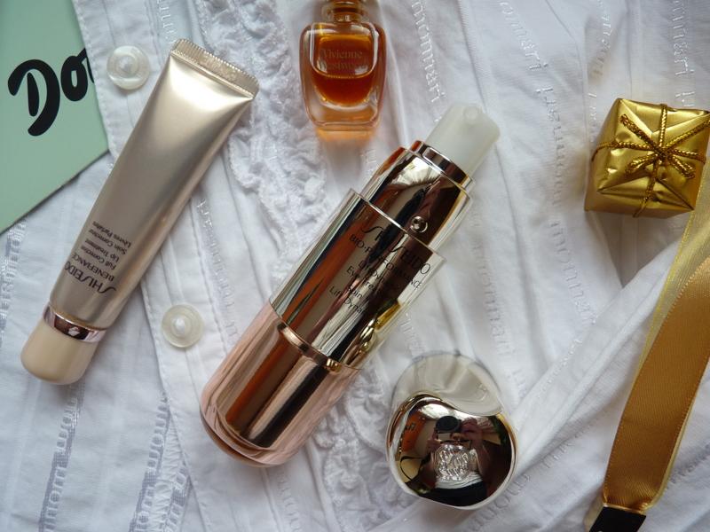 Shiseido Liftingujący krem pod oczy