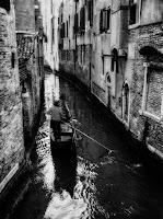 Gondoliere Venice blck white street photography
