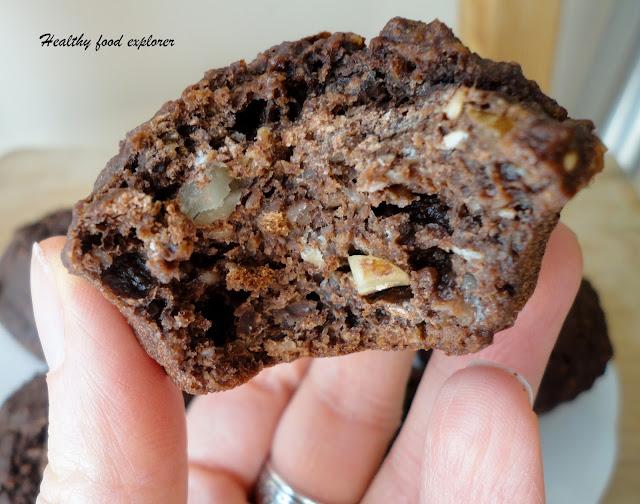 Czekoladowe muffinki z orzechami