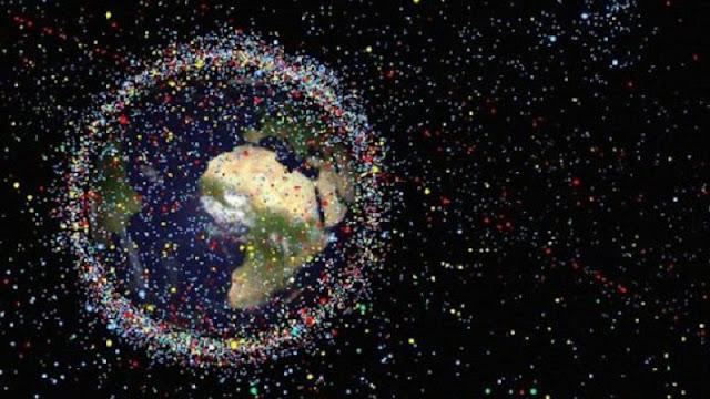 Imagem simulada dos do planeta Terra com lixos espaciais (Imagem:Reprodução/Internet)