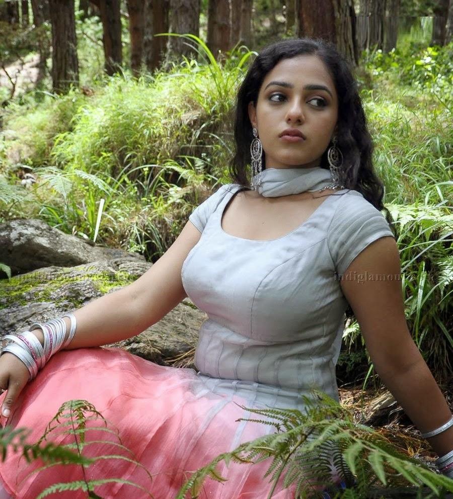 South Indian Film Actress Nithya Menon Hot Photos