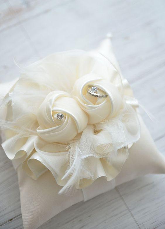 Cuscini Per Fedi Nuziali Fai Da Te.Matrimonio Creativo Idee Porta Fedi Originali Kreattivablog
