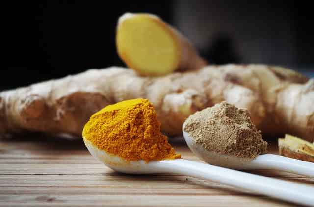 Homemade Turmeric Facial Mask Recipe for Fresh and Bright Skin