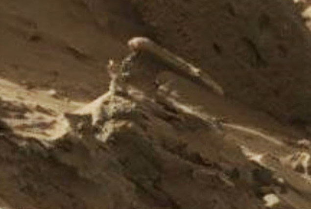 Mars weapon and structure found in NASA rover photo Screen%2BShot%2B2018-08-20%2Bat%2B12.03.41%2BPM