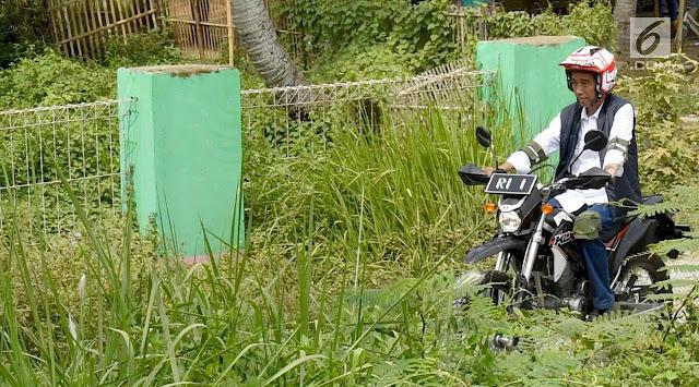 Jokowi Serahkan SK Pemanfaatan Hutan untuk Petani Teluk Jambe