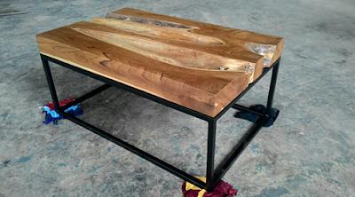 meja cafe unik dari kayu dan besi