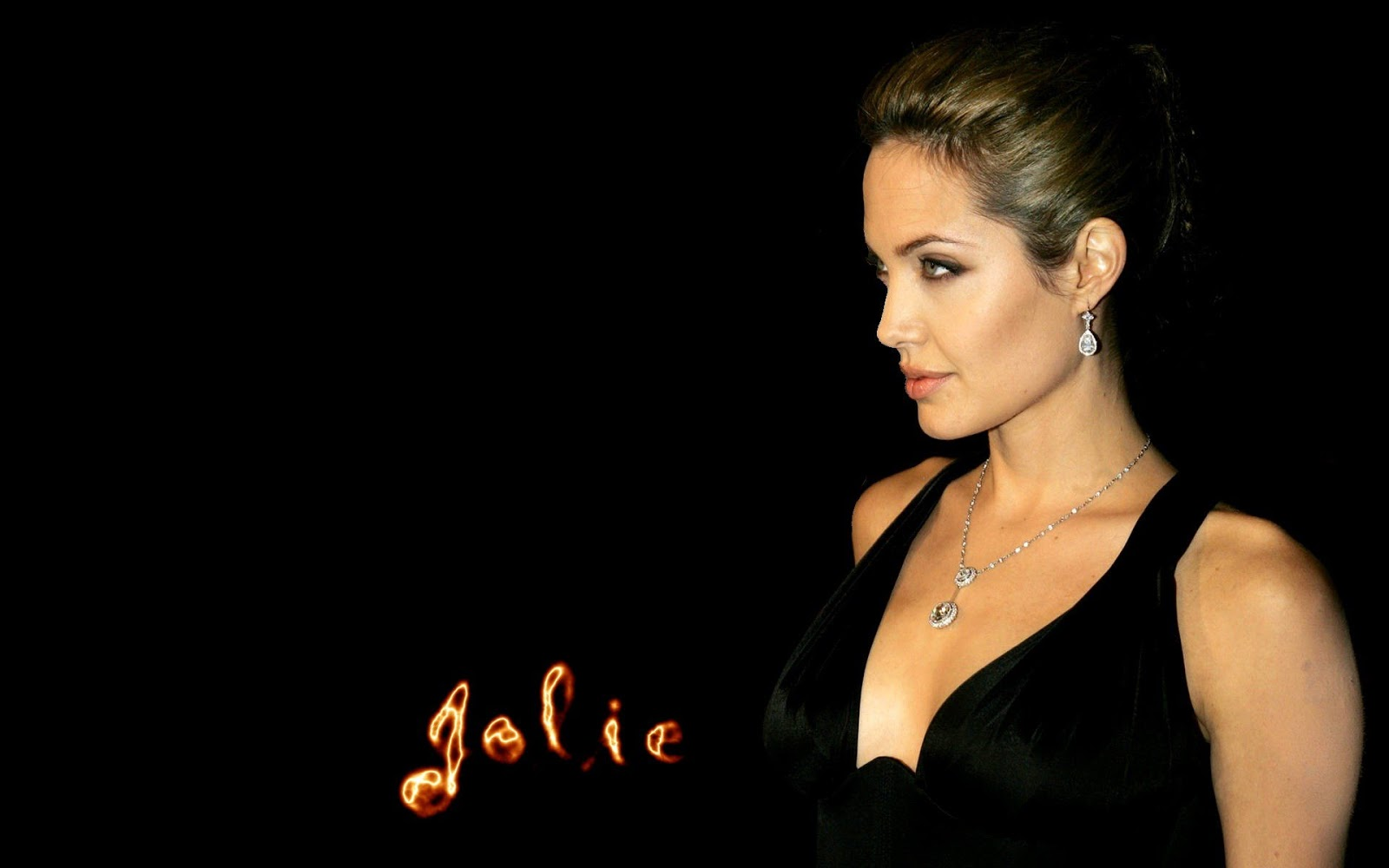 Hollywod Actress Angelina Jolie Hot Hd Wallpaper , She Is -2364