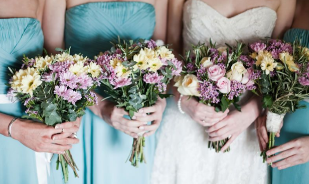 10 Ways To Avoid Hayfever On Your Wedding Day