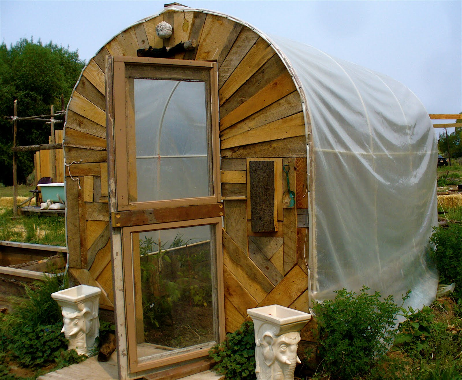 Alt build blog hoop houses and an outdoor shower in - How to make an outdoor shower ...