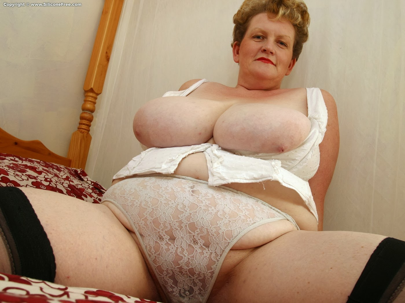 Mature women with massive tits