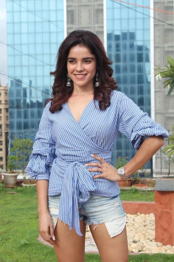 Piaa Bajpai At Abhi and Anu Movie Interview Stills