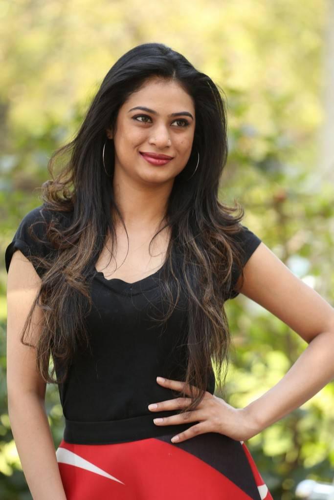 Zara Shah Stills Aithe Movie Teaser Launch Indian