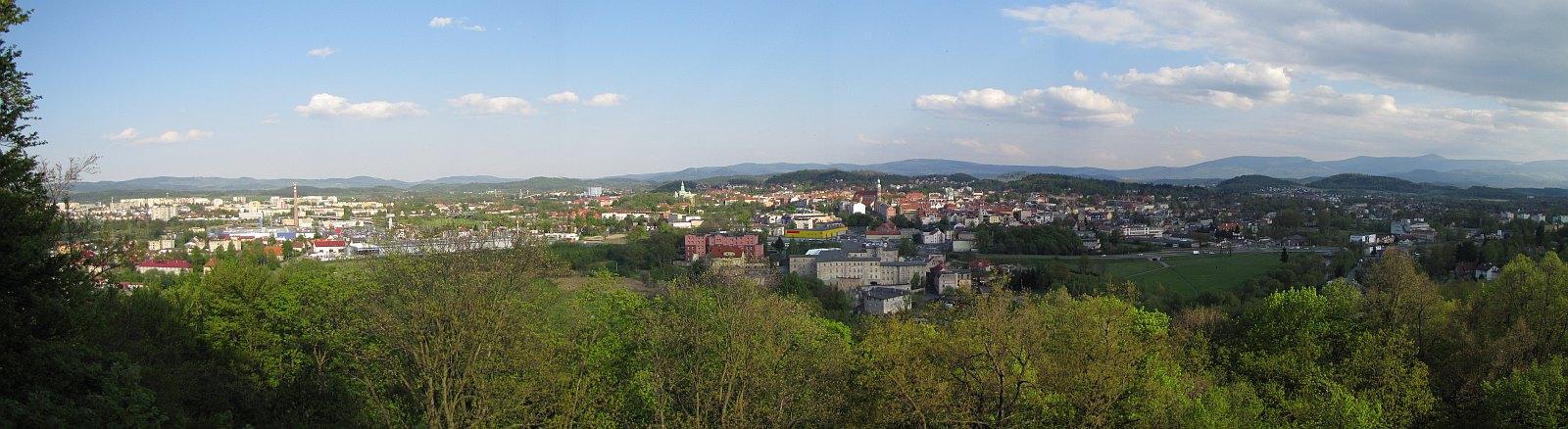 Panorama z wieży widokowej na Wzgórzu Krzywoustego.