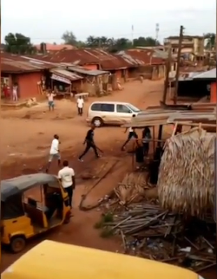 Cult Clashes In Benin In Broad Daylight As They Were Seen With Guns And Machetes