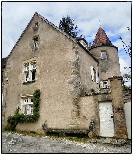 MONTREAL (89) - Village médiéval