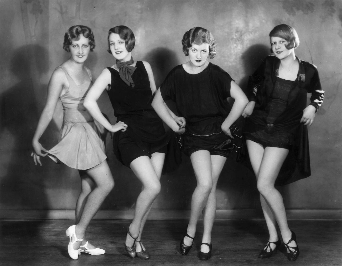 Style In The Jazz Age 20 Vintage Photos Show Beautiful Women S Fashions In The Roaring Twenties