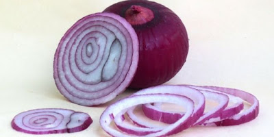 eating-red-onions-may-help-combat-cancer