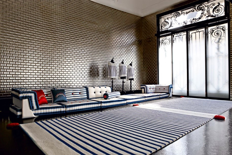 Total Inspiration: Canape Roche Bobois by Jean Paul Gaultier