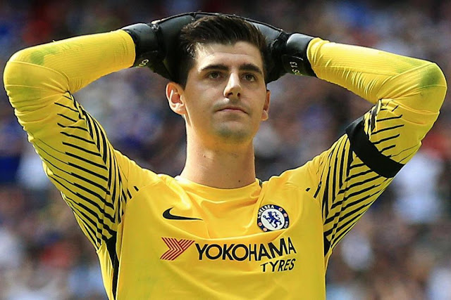 Paris Saint-Germain 'open talks for Chelsea goalkeeper' Thibaut Courtois