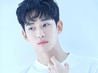 Profil Lengkap Kim Soo Hyun Pemeran Moon Kang Tae Serial It's Okay To Not Be Okay