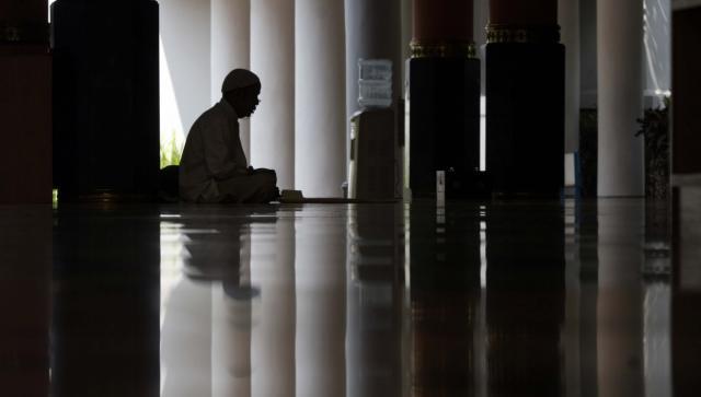 Apa Boleh Itiqaf di Luar Masjid? Ini Jawabannya