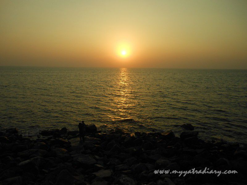 Magnificient Sunset at Bhadkeshwar Shiv Temple, Dwarka, Gujarat