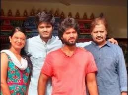 Vijay Deverakonda, Biography, Profile, Age, Biodata, Family , Wife, Son, Daughter, Father, Mother, Children, Marriage Photos.