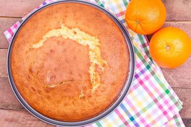 Bizcocho de yogur y naranja esponjoso