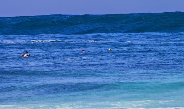 35 Billabong Pipe Masters 2014 Building Swell Foto ASP