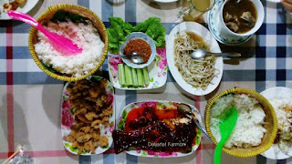 Makan Malam Bersama Keluarga di Pondok Gravitasi