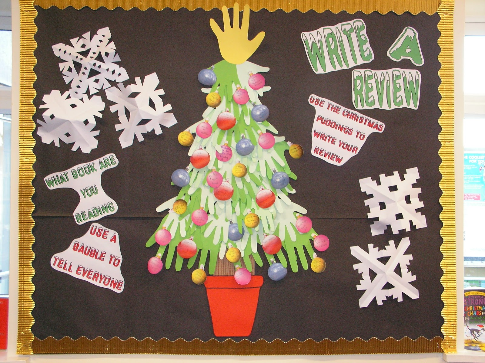 Library Displays: Christmas Tree