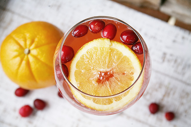 Holly Jolly Punch Recipe - great low calorie holiday cocktail recipe.