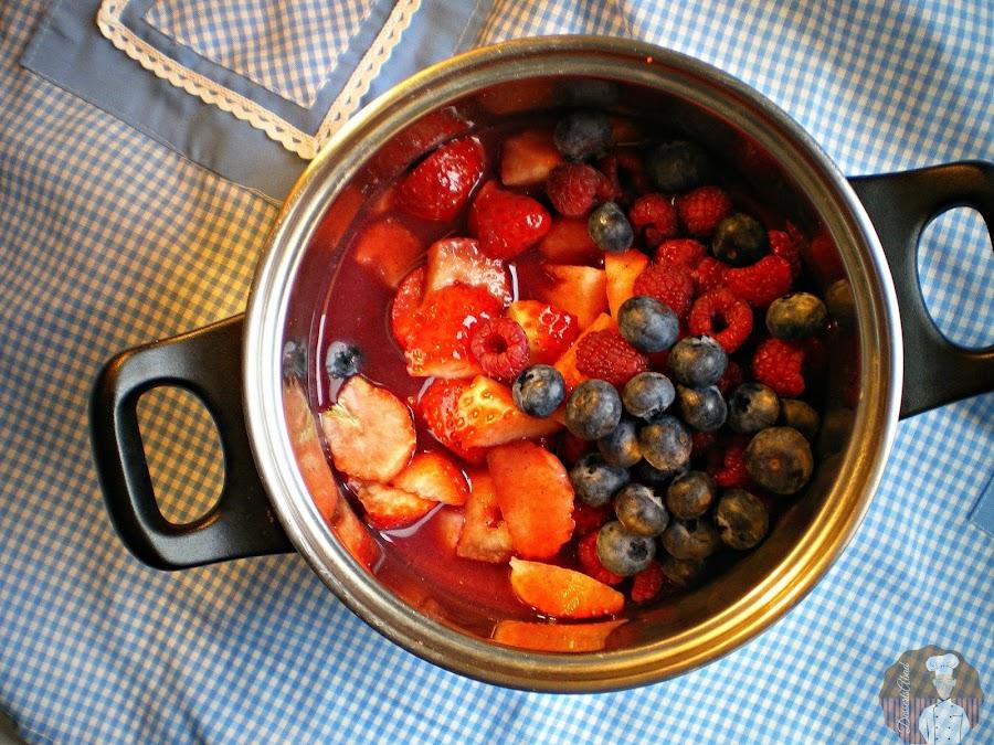 Rote Grütze mit Vanillesoße: Elaboración de la crema de frutos rojos