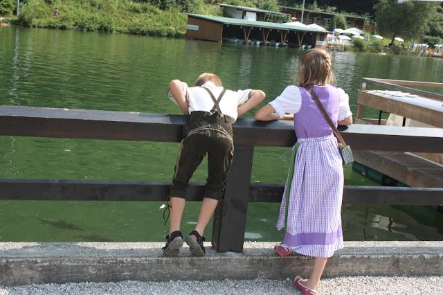 Dirndl und Lederhose, Trachtenhochzeit in den Bergen von Bayern, Riessersee Hotel Garmisch-Partenkirchen, Wedding in Bavaria