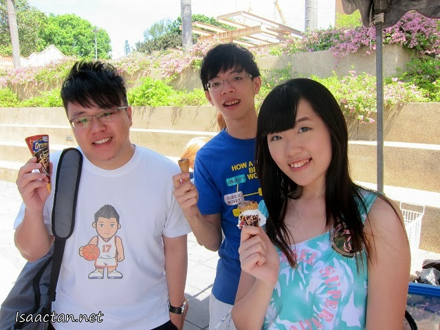 Smiling faces while enjoying their Nestle Drumstick Ice-Cream